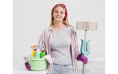 Własny biznes za grosze? Postaw na małą firmę sprzątającą!